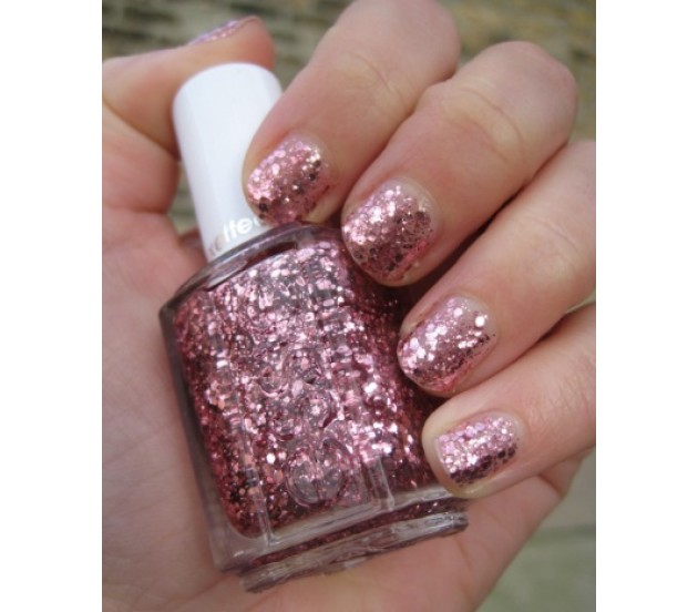 Essie-A-Cut-Above-Luxe-Effect-630x552.jpg